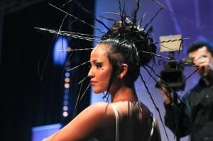 """""""Burlesque 2014"""" par JMR Coiffure. Création réalisée à partir d'un abat jour dans le cadre d'une soirée Matrix et Pro Coiffure à Cagnes-sur-Mer. Photo: Marie-Laure Briane"""